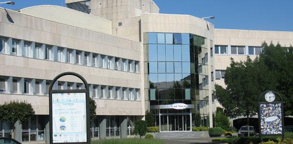 Lait : Lactalis signe un accord en vue du rachat d'une filiale de Danone aux Etats-Unis